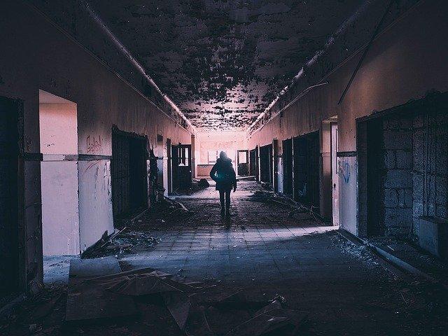 oświetlenie korytarza aranżacje
